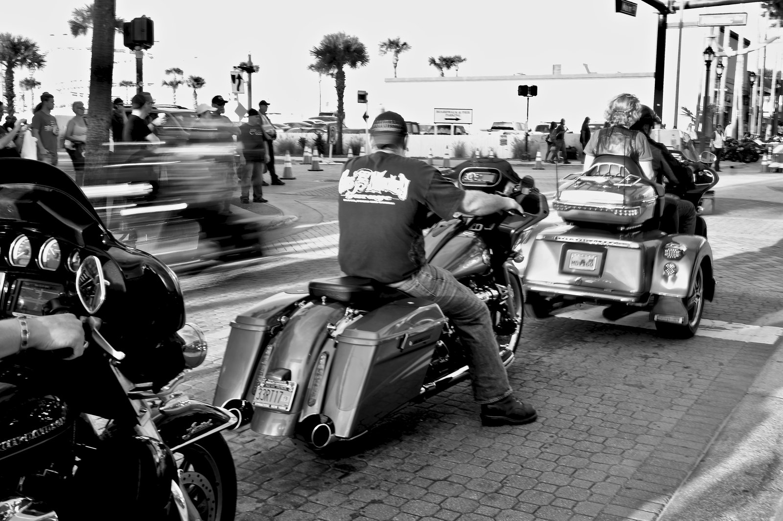 2019 Daytona Beach Bike Week, Cruising on Main Street.jpg