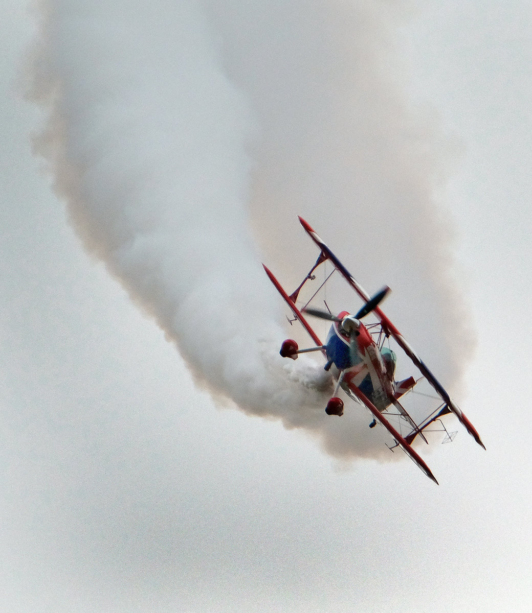 Pitts Special in action.
